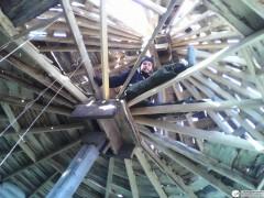 Под крышей доделывать перекрытие гораздо комфортее